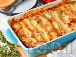 Канелони с пилешко филе (гърди), гъби, домати от консерва и бешамелов сос и кашкавал - снимка на рецептата